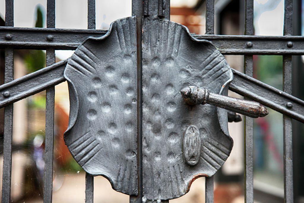 zawiasy do bramy